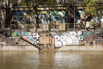 Graffiti an der Donau