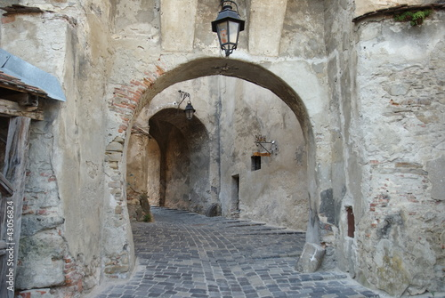 Sighisoara, walk under the arches