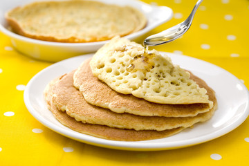 Baghrirs au miel, crêpes aux 1000 trous