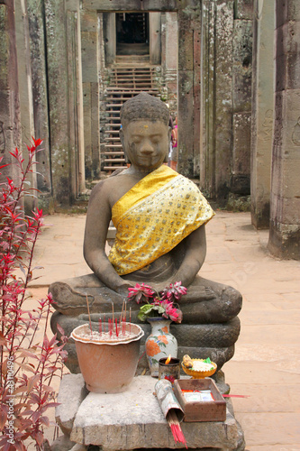 Buddha statue and Khmer art at Bayon Prasat, Angkor Thom