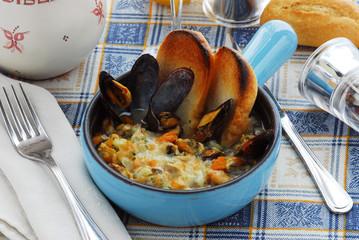 蚌肉汤 Sopa de mejillones Mussel soup