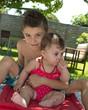 Frère et soeur (9 mois, 6-7 ans)