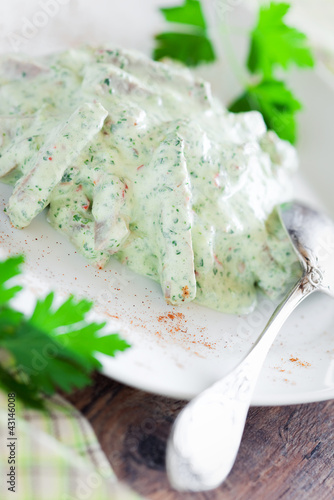 Meat in spicy yogurt sauce