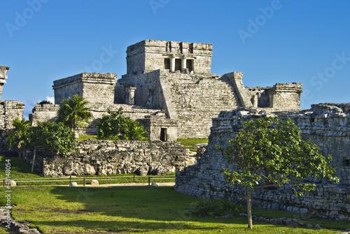 Fotobehang Caraïben the historic ruins of ancient mayan city of tulum, mexico