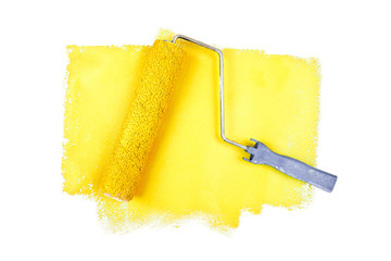 Paint roller on yellow traces