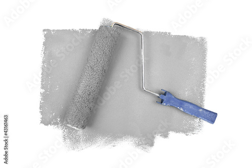 Paint roller on grey traces