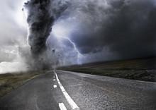 Мощный торнадо