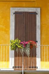 Balconi e finestre fioriti