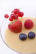 dessert alla vaniglia con frutti di bosco