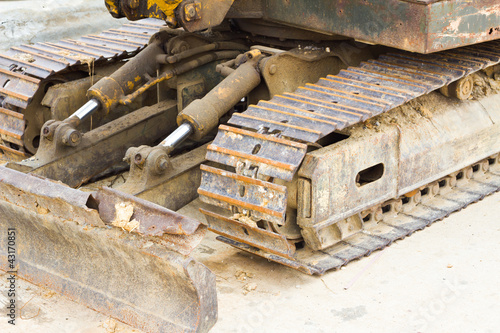 bulldozer chain