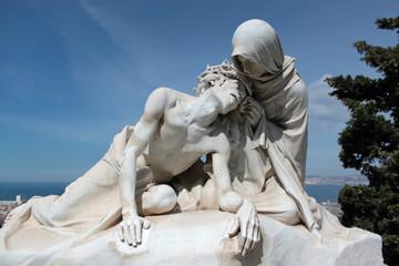 statua cristo e madonna