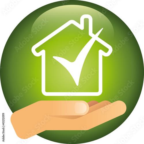 Button Haus mit Hand vector