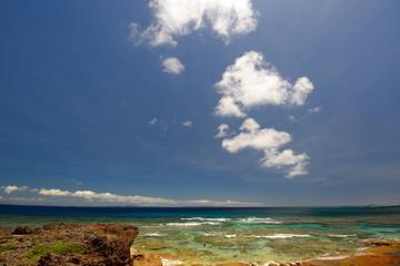 久高島のきれいな海と夏空