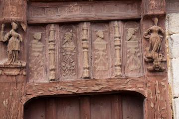 Scultures à la maison Henri IV