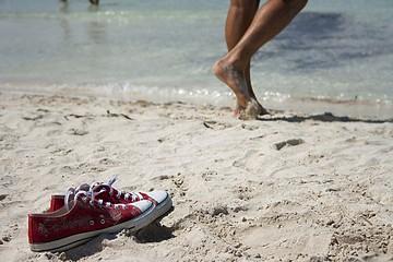 scarpe in spiaggia
