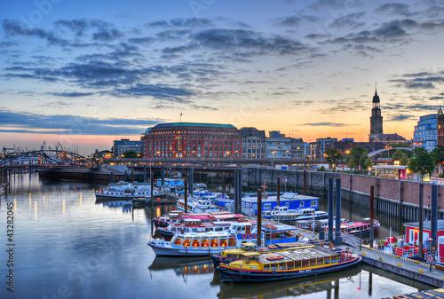 Hamburger Hafen das Tor zur Welt