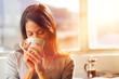 Leinwanddruck Bild - sunrise coffee woman
