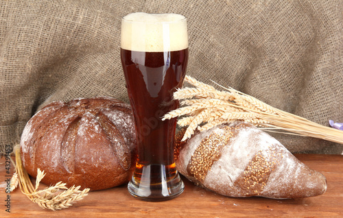 glass of kvass with bread on canvas background close-up - 43291453