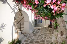 Kleine backstreet auf der Insel Amorgos, Griechenland