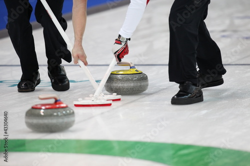 canvas print picture Curling Wettkampf in der Eishalle.