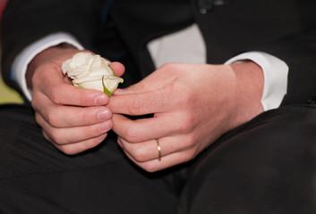 manos de novio