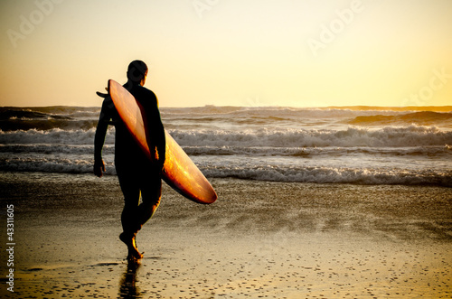 canvas print picture Surfer walking
