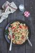 Кускус из цветной капусты с креветками, томатами и лимоном