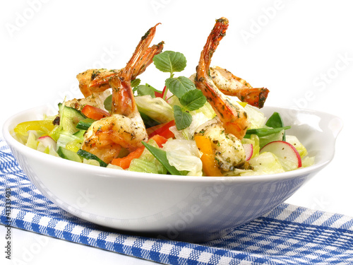 salat mit scampi stockfotos und lizenzfreie bilder auf bild 43333403. Black Bedroom Furniture Sets. Home Design Ideas
