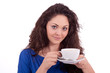 schöne junge frau mit einer tasse kaffee