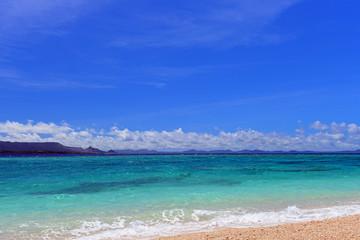 美しい海と青い空