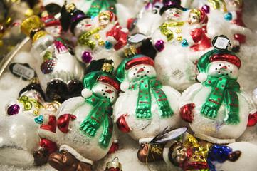 Delicate snowmen Christmas ornaments