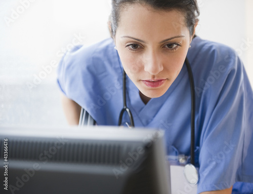 Brazilian doctor using computer