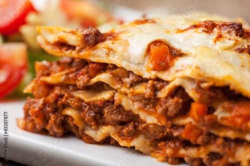 canvas print picture Nahaufnahme einer italienische Lasagne