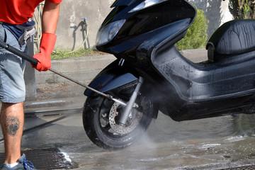 Lavaggio dello scooter