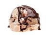 Eine Kugel Tiramisueis mit Schokoladensoße