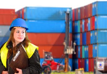 Frau im Beruf Containerterminal