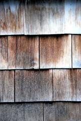 Verwiitterte Holzschindeln