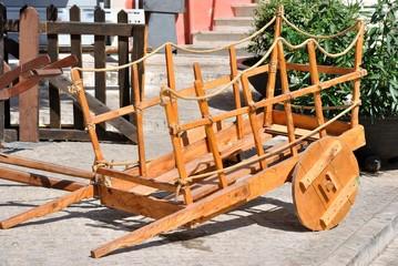 Vecchio carretto in legno