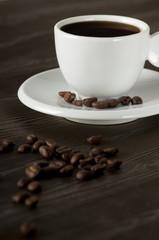 Espresso mit Kaffeebohnen
