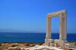 Leinwanddruck Bild - door of an ancient greek teble in island naxos