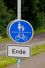 Gemeinsamer Fuß- und Radweg Ende