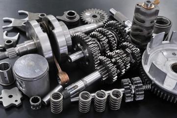 バイクエンジンの主要部品