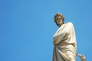 Statua di Dante davanti a Santa Croce, Firenze, Italia