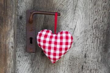 Ein rotes Herz der Liebe