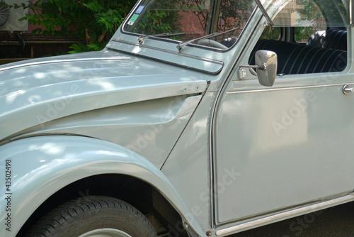 vieille voiture grise de collection photo libre de droits sur la banque d 39 images. Black Bedroom Furniture Sets. Home Design Ideas
