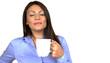 M11 12 Frau genießt Kaffee