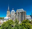 Leinwanddruck Bild - Aachener Dom im Sommer