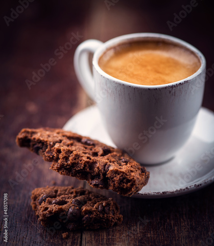 Chocolate chip cookie and a cup of espresso crema