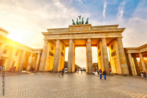 Poster Historisch mon. Brandenburg gate at sunset