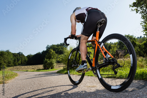 mata magnetyczna Triathlet auf dem Fahrrad